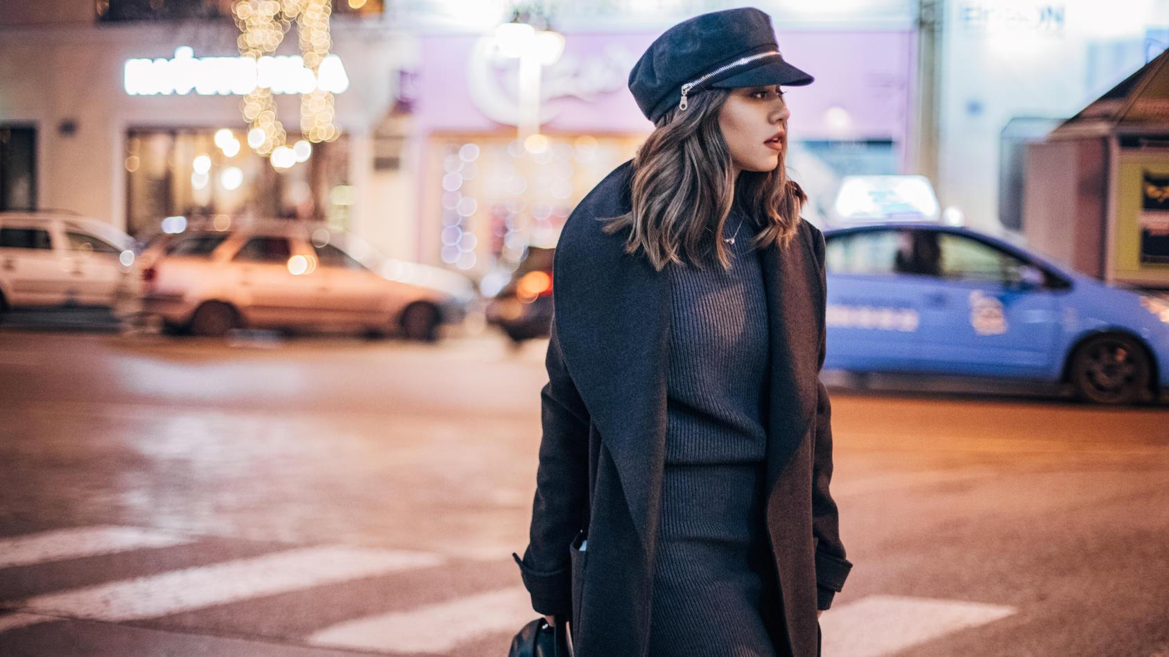Langärmlige Kleider sind ein absolutes Basic im Winter.