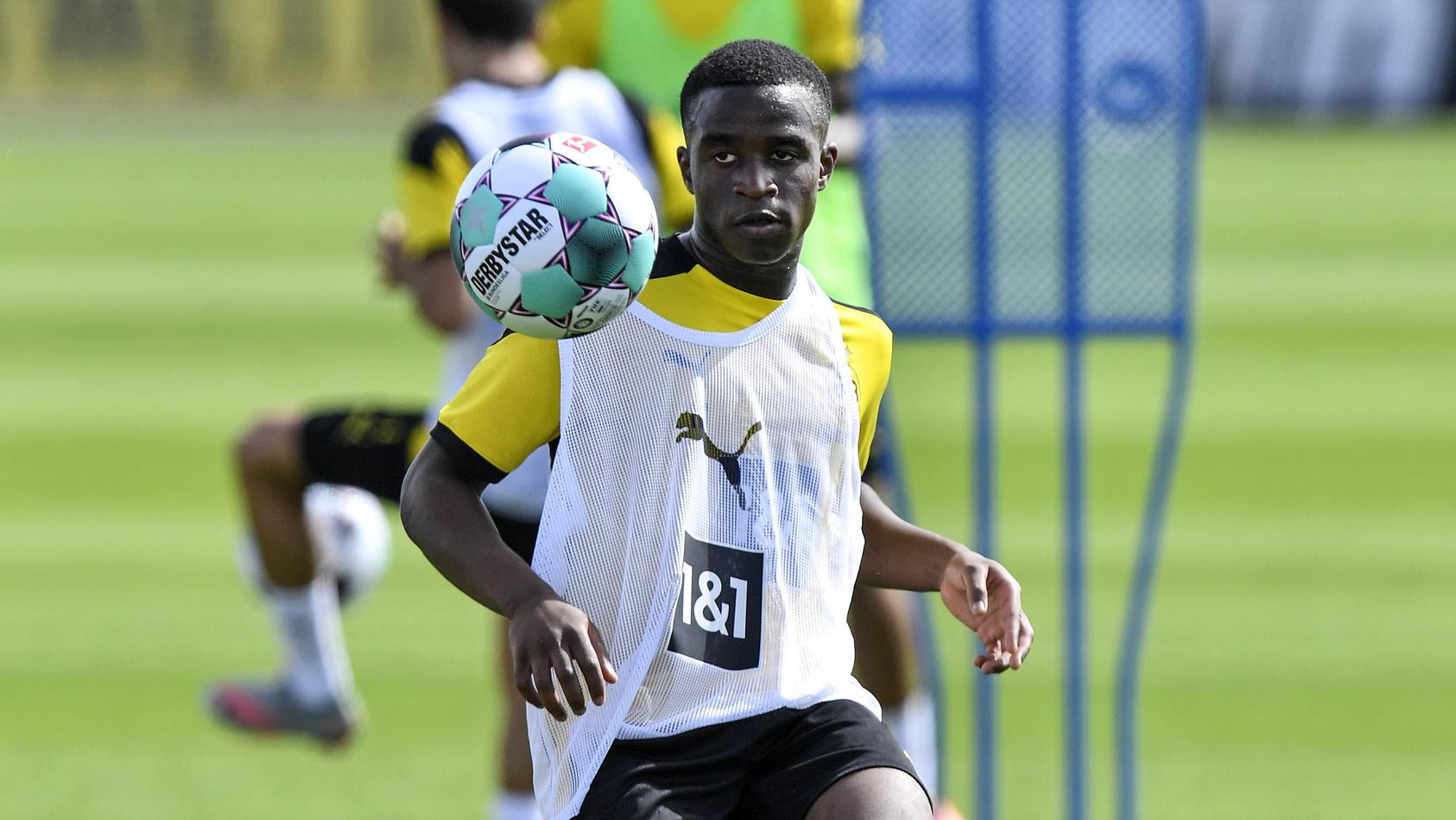 Youssoufa Moukoko im BVB-Training.