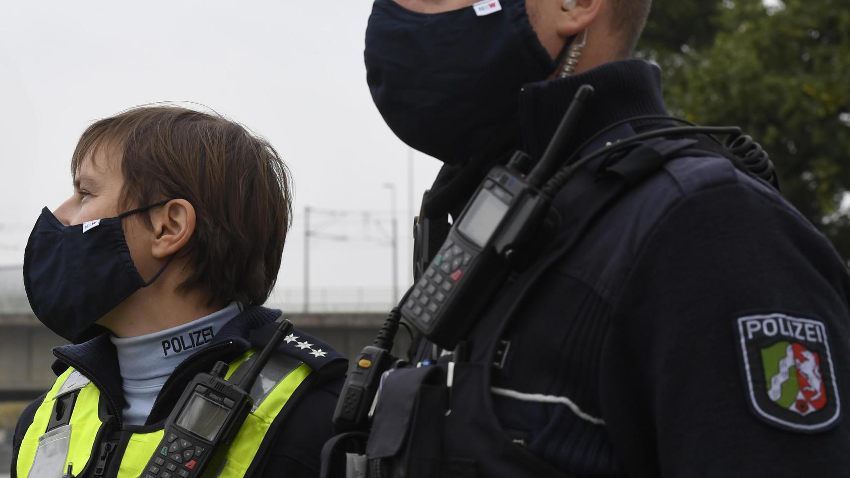 """Polizisten fühlen sich übergangen: """"Wir werden angehustet und angespuckt."""""""