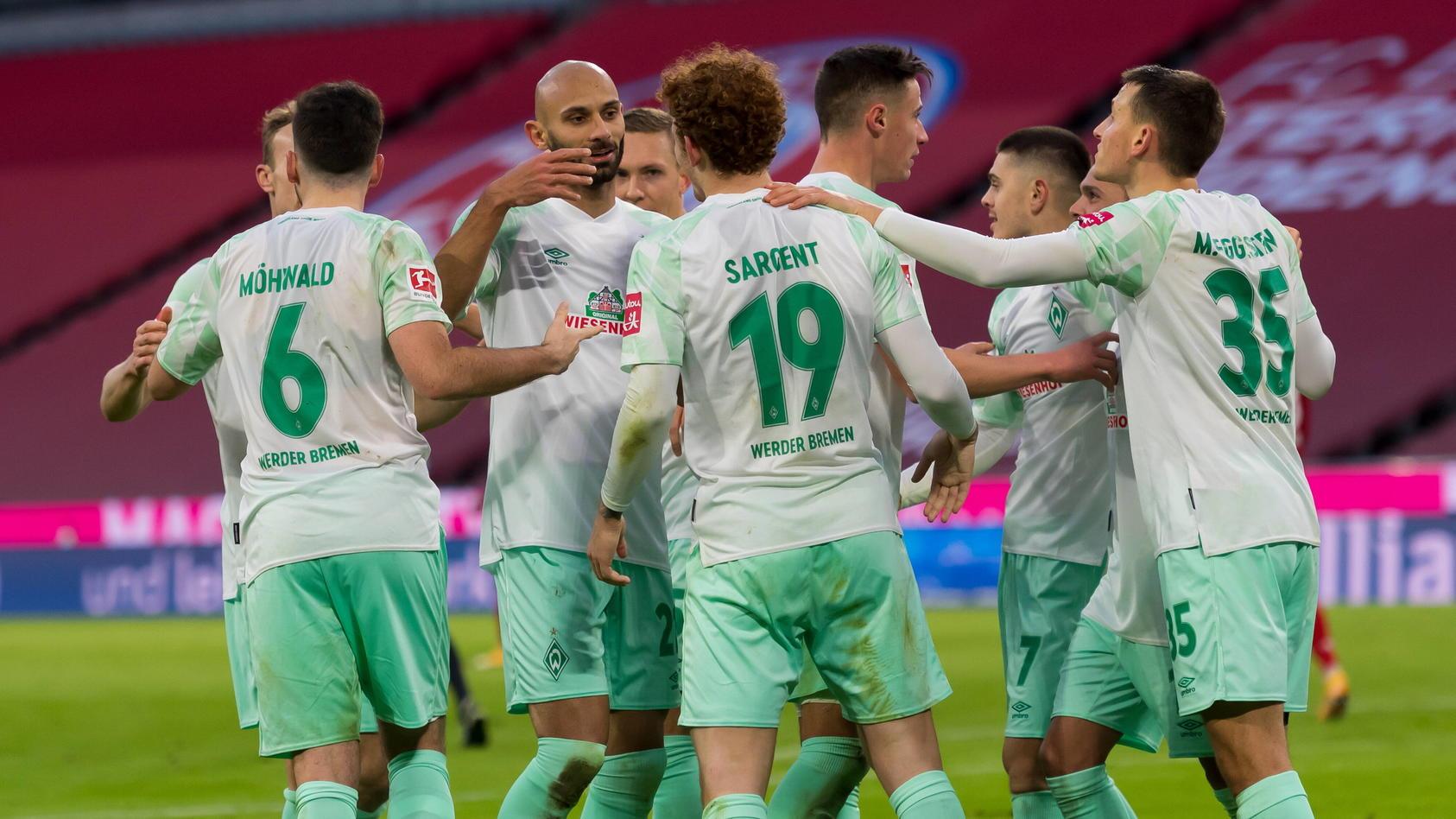 Bremen feiert den Treffer zum 1:0.
