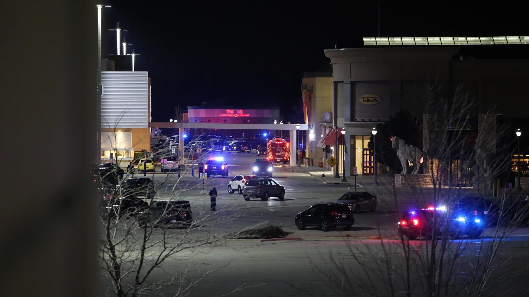 November 20, 2020, Wauwatosa, Wisconsin, U.S: Shooting at Mayfair Mall in Wauwatosa, Wisconsin Friday November 20, 2020