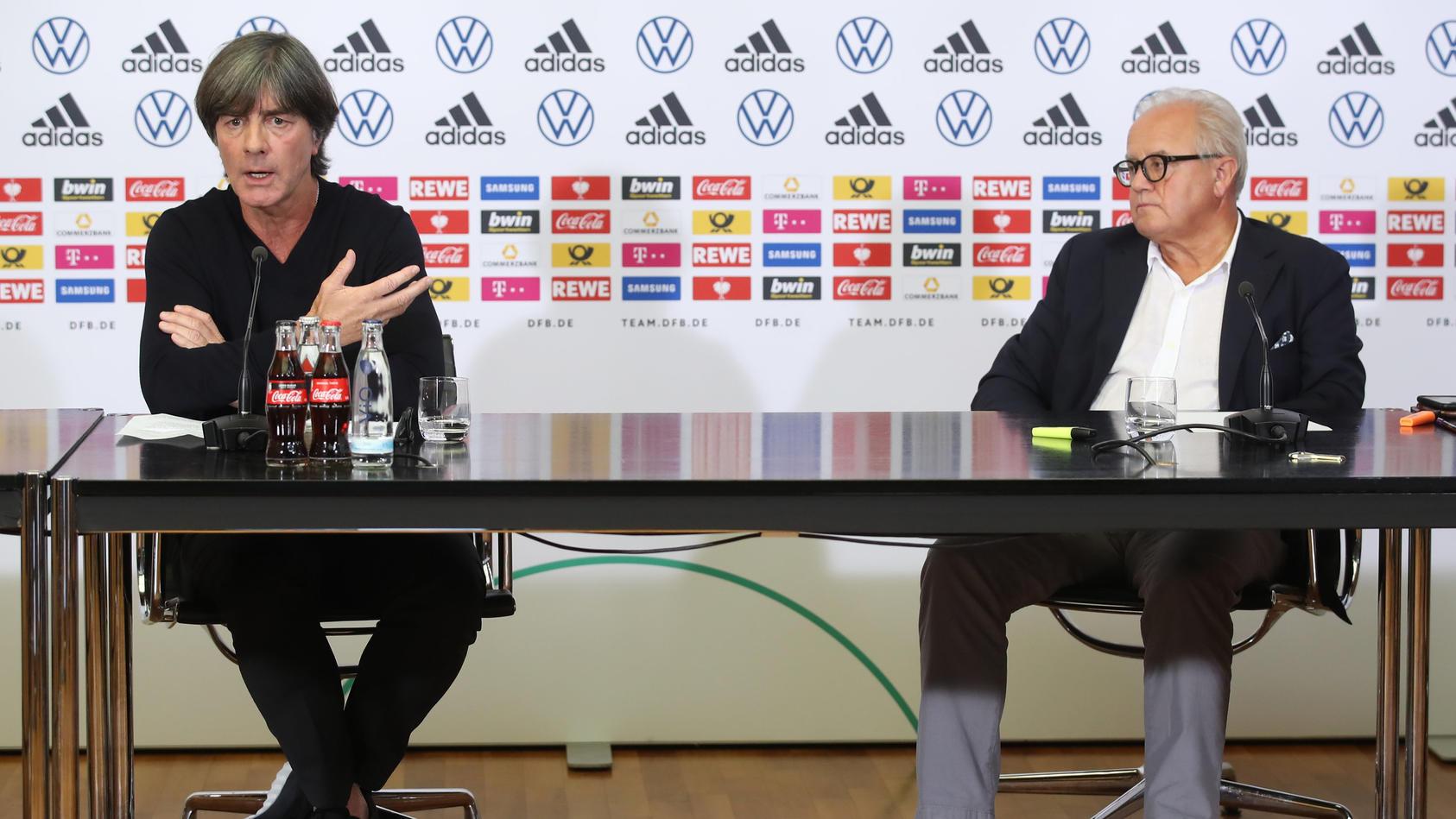 Bundestrainer Joachim Löw mit DFB-Präsident Fritz Keller.