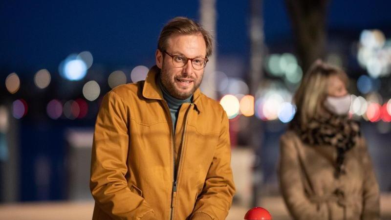 Anjes Tjarks (Bündnis 90/Die Grünen), Senator für Verkehr und Mobilitätswende von Hamburg. Foto: Daniel Reinhardt/dpa/Archivbild