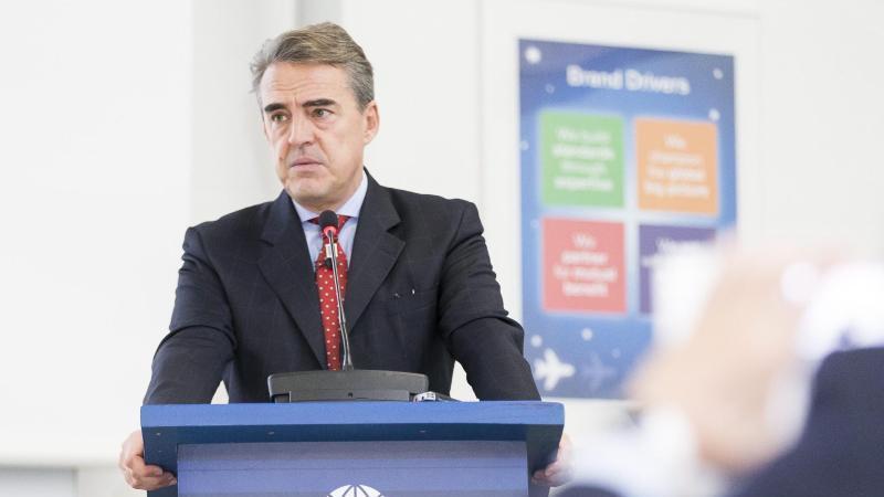 IATA-Generaldirektor Alexandre de Juniac, hier Ende 2016, gibt seinAmt im kommenden Jahr auf. Foto: Cyril Zingaro/KEYSTONE/dpa