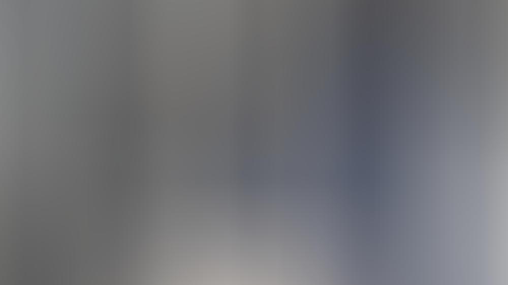 Auch Sängerin Jennifer Lopez setzt auf Velourslederstiefel