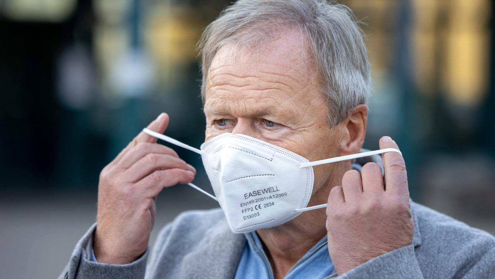 Der Landrat von Hildburghausen, Thomas Müller,  verhängt wegen der steigenden Corona-Infektionszahlen einen regionalen Lockdown im Landkreis.
