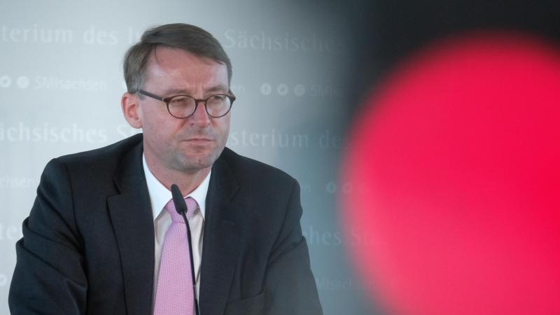 Roland Wöller (CDU), Innenminister von Sachsen. Foto: Sebastian Willnow/dpa-Zentralbild/dpa