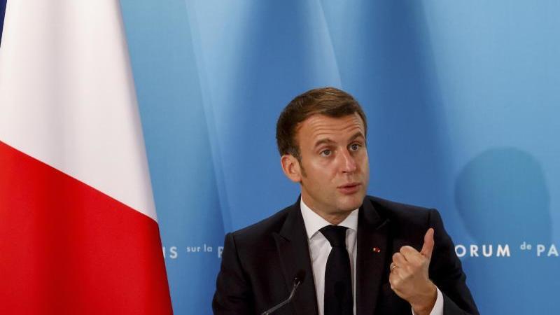 """Hat mit seinem """"Hirntod""""-Attest für viel Wirbel in der Nato gesorgt:Frankreichs Präsident Emmanuel Macron. Foto: Ludovic Marin/POOL AFP/AP/dpa"""