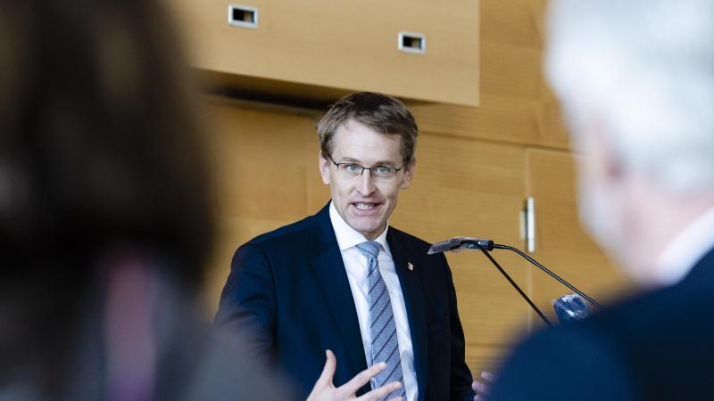 Daniel Günther (CDU), Ministerpräsident von Schleswig-Holstein, spricht. Foto: Frank Molter/dpa