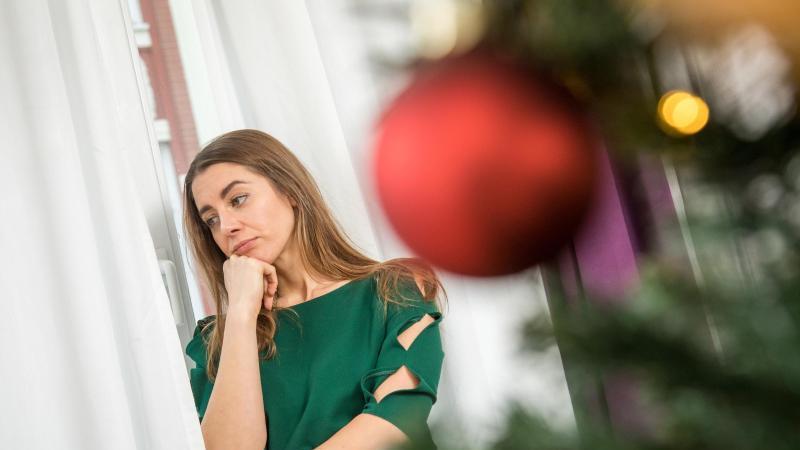 Der Familie zu Weihnachten absagen? Keine leicht Aufgabe. Transparenz ist aber immer noch besser als faule Ausreden. Foto: Christin Klose/dpa-tmn