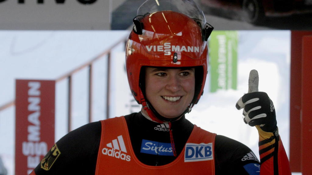 epa04621208 Natalie Geisenberger of Germany reacts during the Team Relay competition at the 45th FIL World Luge Championships in Sigulda, Latvia, 15 February 2015 EPA/VALDA KALNINA +++(c) dpa - Bildfunk+++