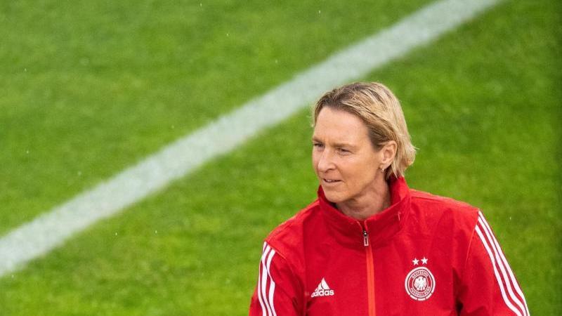 Martina Voss-Tecklenburg, Trainerin der deutschen Frauen-Nationalmannschaft. Foto: Sebastian Gollnow/dpa/Archivbild