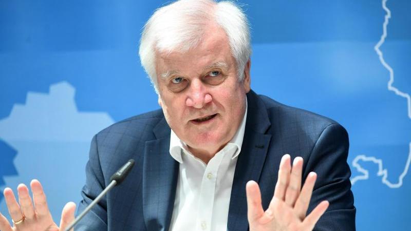 Seehofer will keinen allgemeinen Abschiebestopp für Syrien mehr. Foto: Martin Schutt/dpa-Zentralbild/dpa