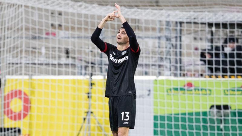 Leverkusens Lucas Alario jubelt nach einem Tor. Foto: Tom Weller/dpa