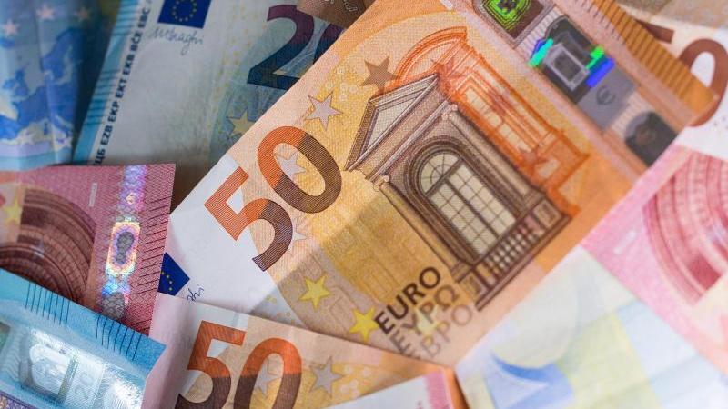 Fast 180 Milliarden Euro neue Schulden sollen im kommenden Jahr aufgenommen werden. Foto: Monika Skolimowska/dpa-Zentralbild/dpa