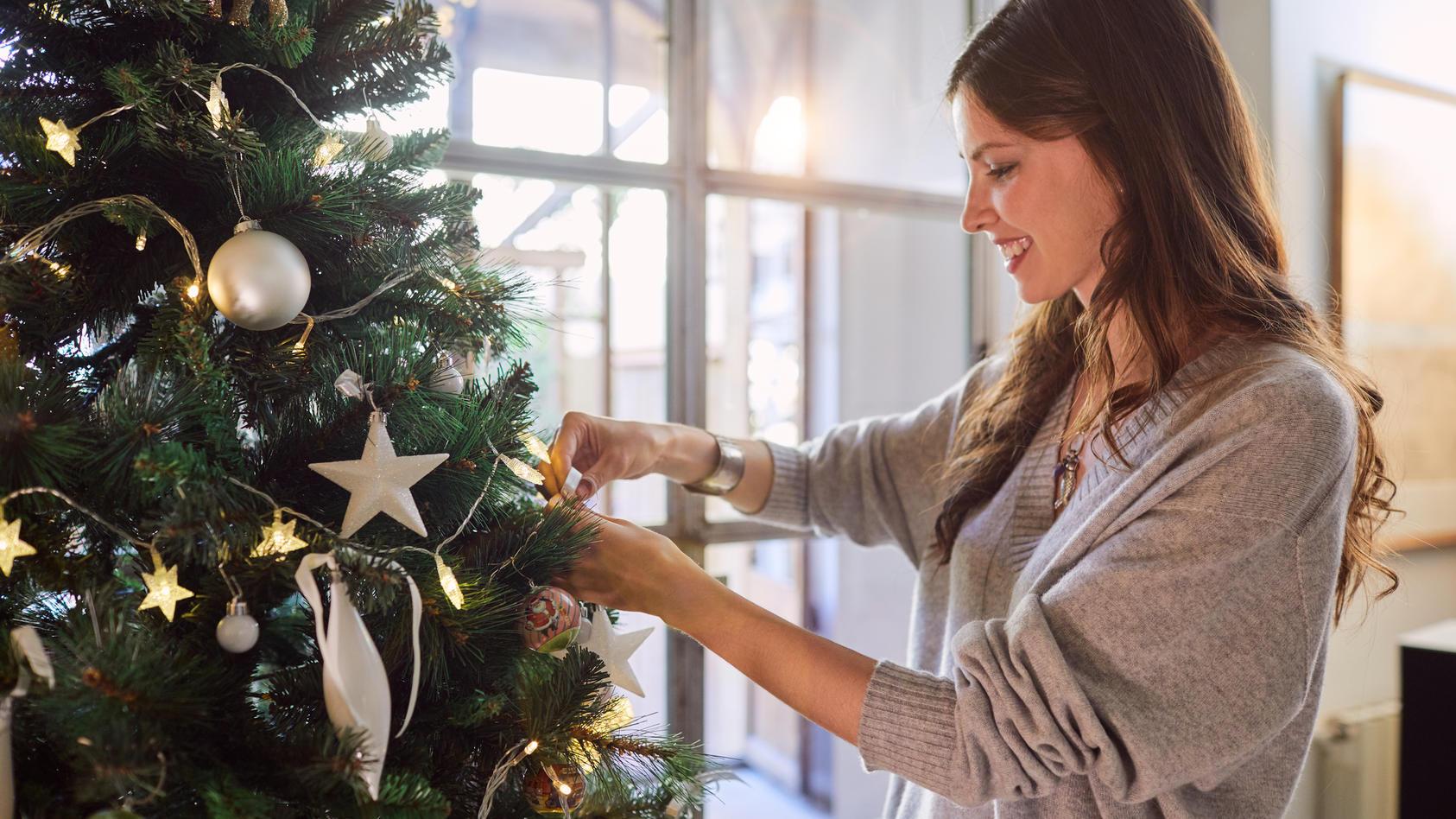 Weihnachtswichtel, aufgepasst: Hier gibt es Geschenke, Deko & Co. zu Schnäppchenpreisen.