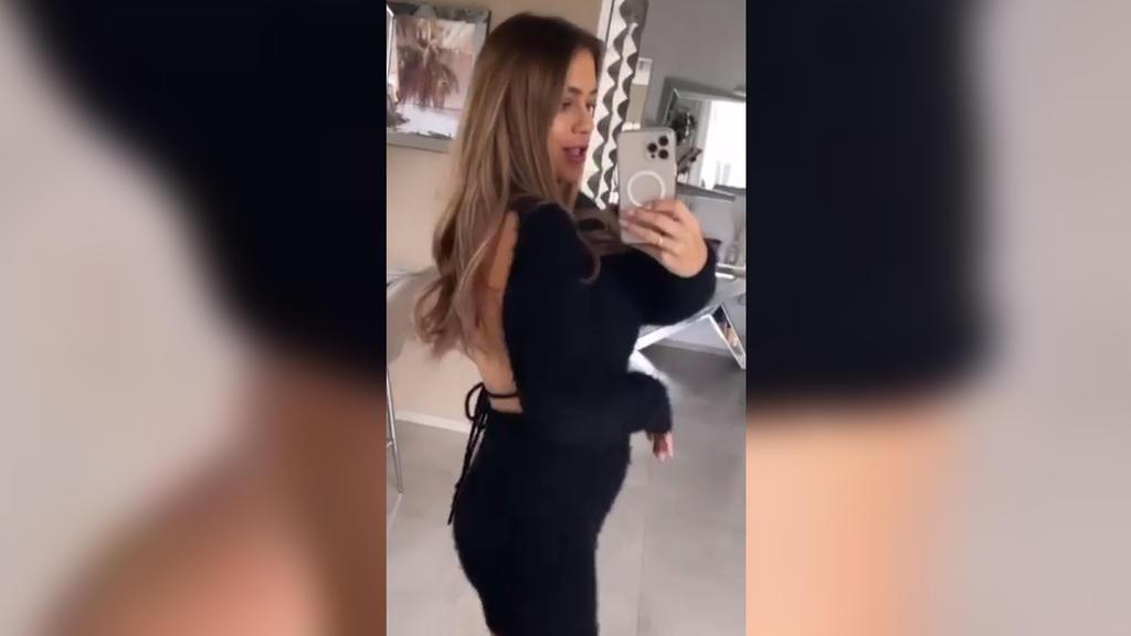 Jessica Paszka mit deutlichem Babybauch