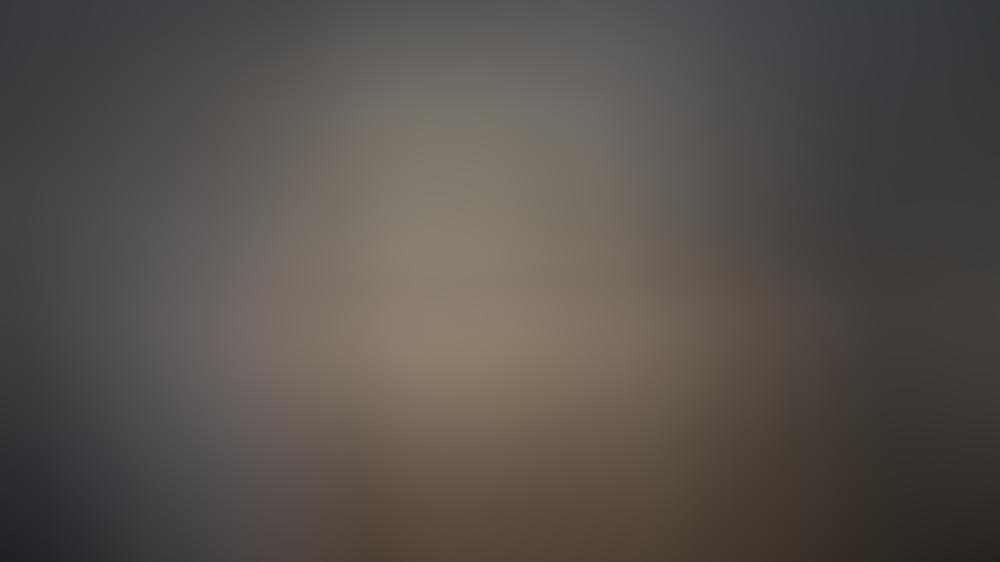 """""""Tatort: Borowski und der stille Gast III"""": Auch in diesem """"Tatort"""" fordert Lars Eidinger (r.) als einer der unheimlichsten Mörder der Reihe Kommissar Klaus Borowski (Axel Milberg) wieder heraus - Drehstartfoto."""