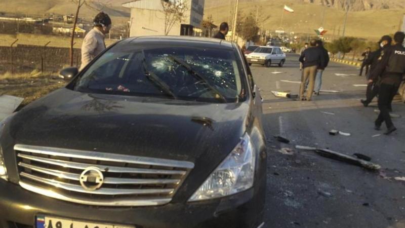 """Iran zufolge zufolge wurde der Atomphysiker """"von Terroristen"""" in seinem Wagen angeschossen und schwer verletzt. Er sei später im Krankenhaus seinen Verletzungen erlegen. Foto: Uncredited/Fars News Agency/AP/dpa"""