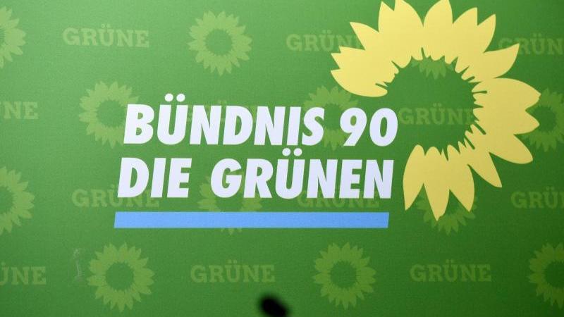 Das Logo der Partei Bündnis 90/Die Grünen. Foto: Rainer Jensen/dpa/Archivbild