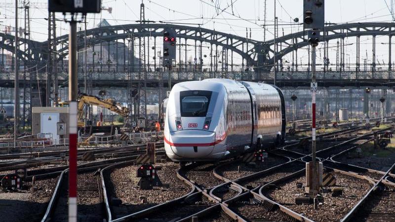 Ein ICEverlässt den Hauptbahnhof in München. Foto: Sven Hoppe/dpa