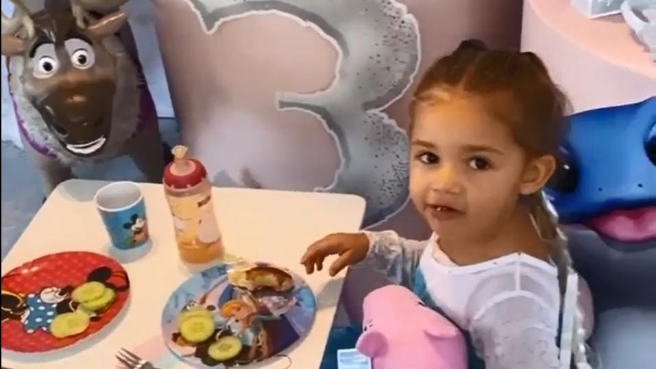 Süß: Mia Rose Harrison an ihrem 3. Geburtstag.