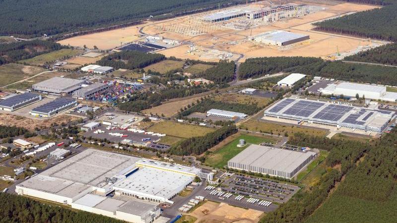 Luftaufnahme der künftigen Gigafactory Berlin-Brandenburg. Foto: Soeren Stache/dpa-Zentralbild/dpa/Archivbild