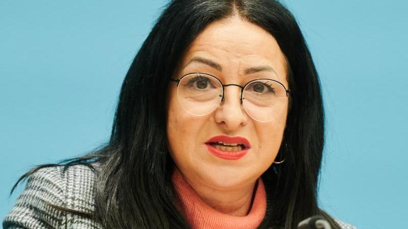 Dilek Kalayci, die Berliner Senatorin für Gesundheit, Pflege und Gleichstellung. Foto: Annette Riedl/dpa/Archivbild