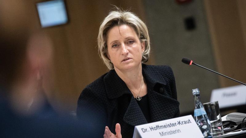 Nicole Hoffmeister-Kraut (CDU) bei einem Termin. Foto: Christoph Schmidt/dpa/Archivbild