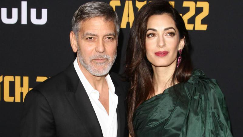 George und Amal Clooney sind Eltern von Zwillingen.
