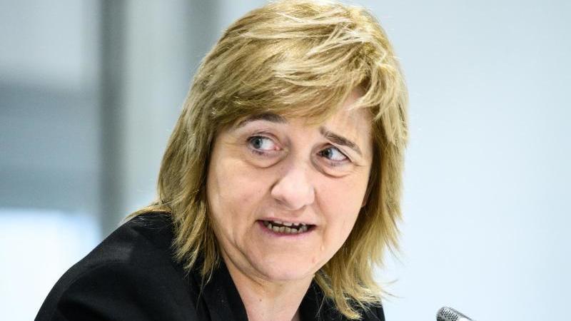 Eva Kühne-Hörmann (CDU), Justizministerin von Hessen, spricht. Foto: Andreas Arnold/dpa/Archivbild
