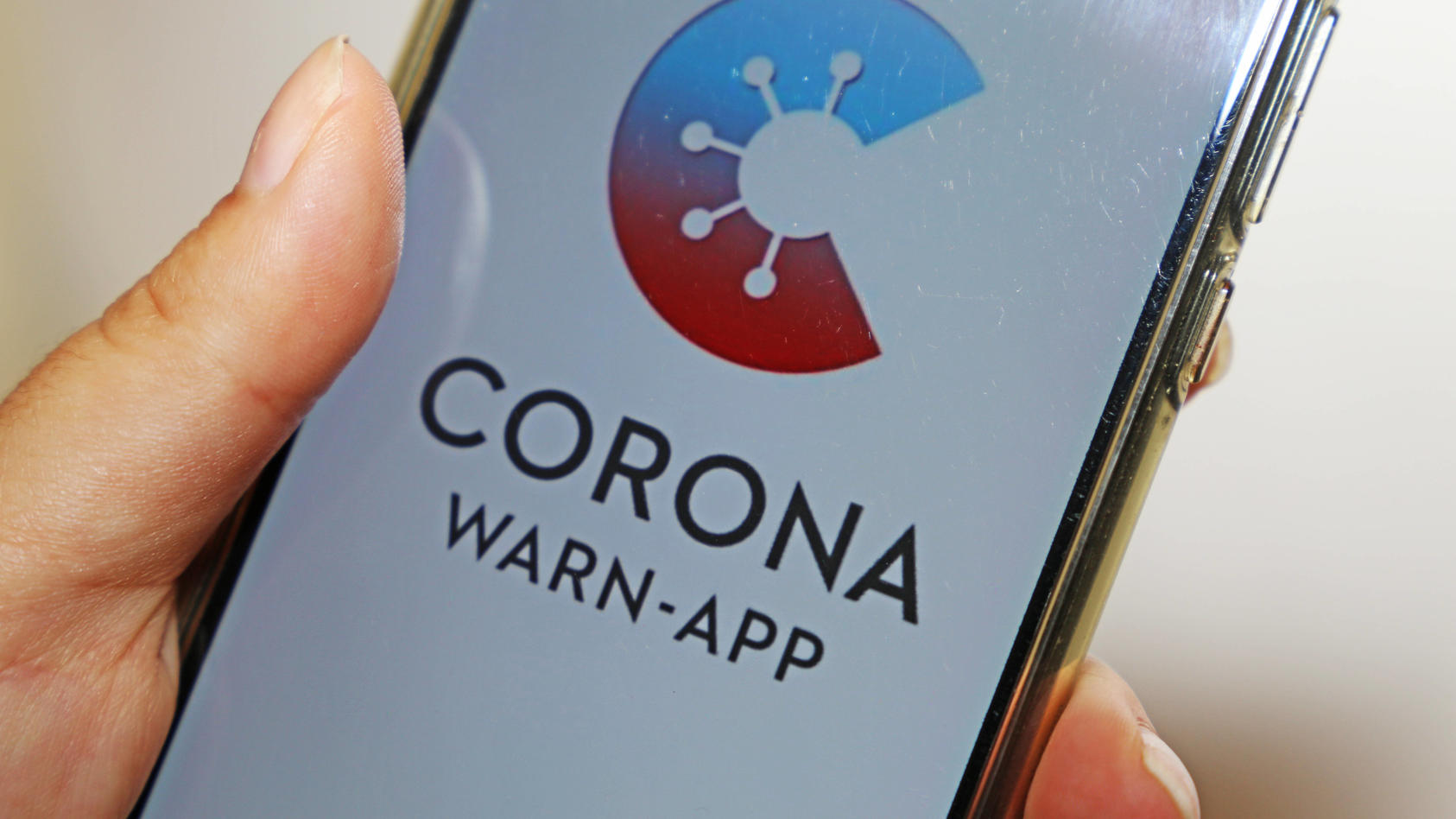 Corona-Warn-App der Bundesregierung *** Corona Warn App of the Federal Government Copyright: xx