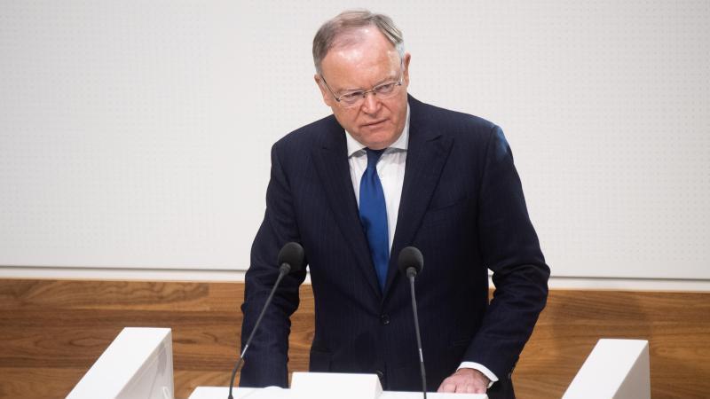Stephan Weil (SPD), Ministerpräsident Niedersachsen, spricht. Foto: Julian Stratenschulte/dpa/Archivbild