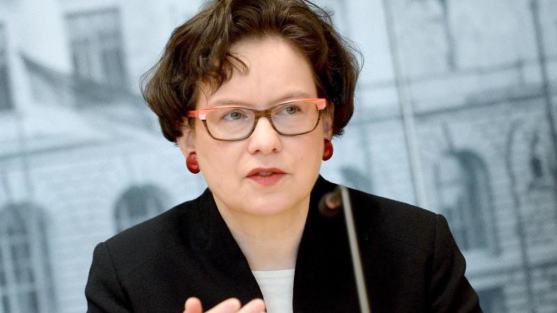 Maja Smoltczyk, Berliner Beauftragte für Datenschutz und Informationsfreiheit,spricht. Foto: Britta Pedersen/zb/dpa/Archivbild