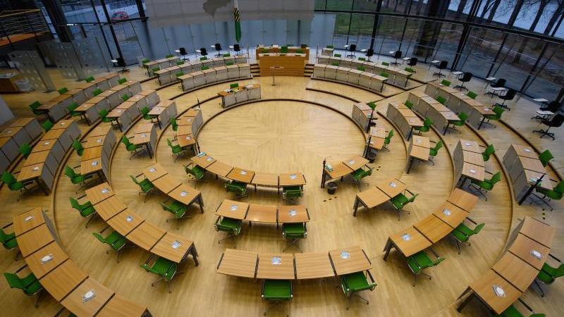 Der Plenarsaal des Sächsischen Landtages ist zu sehen. Foto: Robert Michael/dpa-Zentralbild/ZB/Archivbild