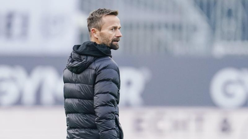 Sandhausen-Trainer Michael Schiele. Foto: Uwe Anspach/dpa