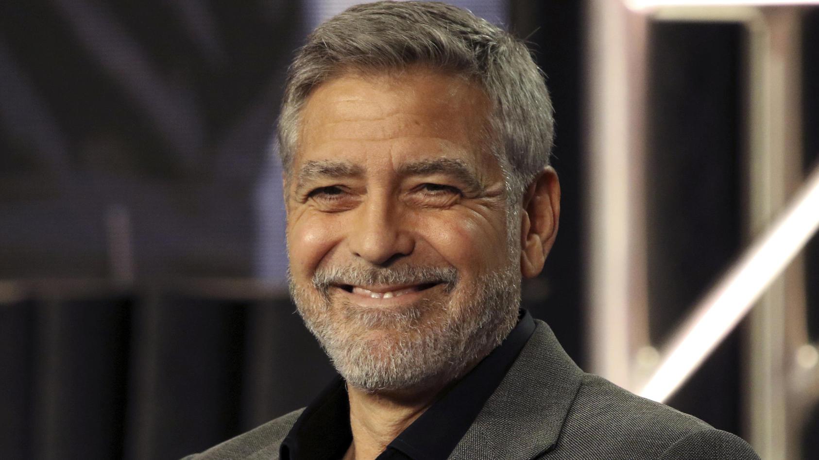 """Hollywoodstar George Clooney plaudert bei """"Jimmy Kimmel Live!"""" aus seinem ganz privaten Nähkastchen"""
