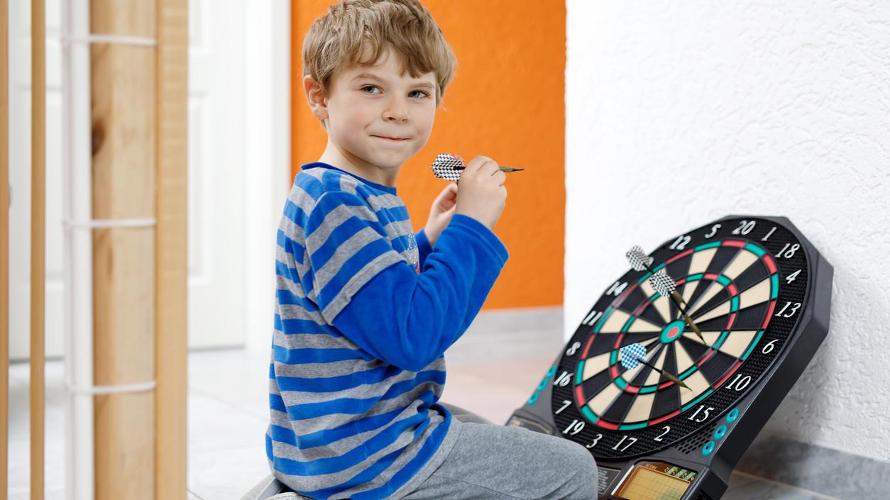 Kinderärzte warnen vor Spielzeug, das geschossen oder geworfen werden muss.