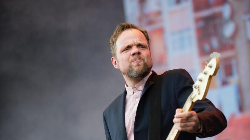 Torsten Scholz (r) von der Band Beatsteaks. Foto: picture alliance / dpa/Archivbild