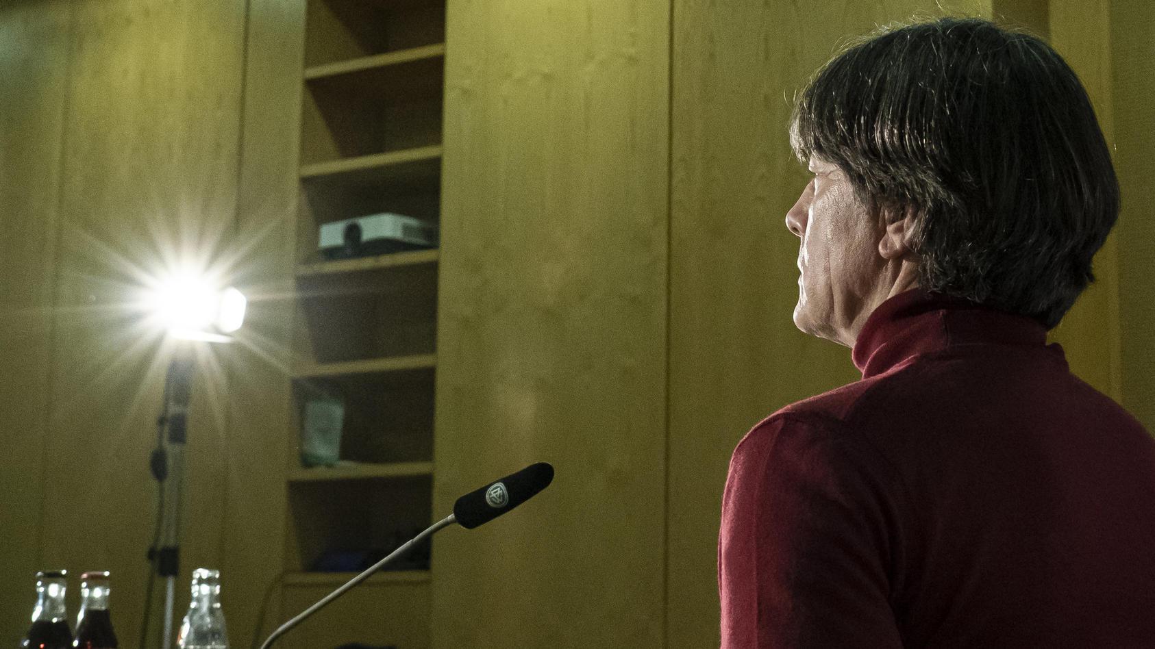 Joachim Löw bei der digitalen Pressekonferenz am Montag.