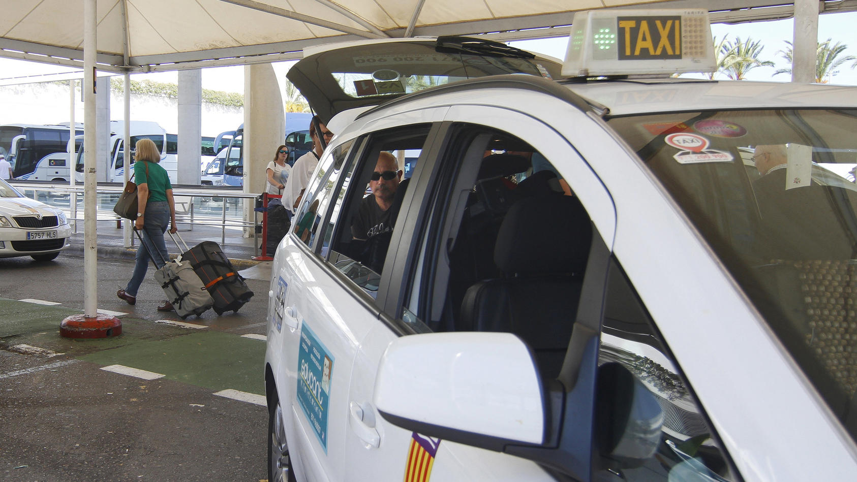 Taxifahrer der Gemeinde Calvia auf Mallorca sollen ab sofort etwas Deutsch können.
