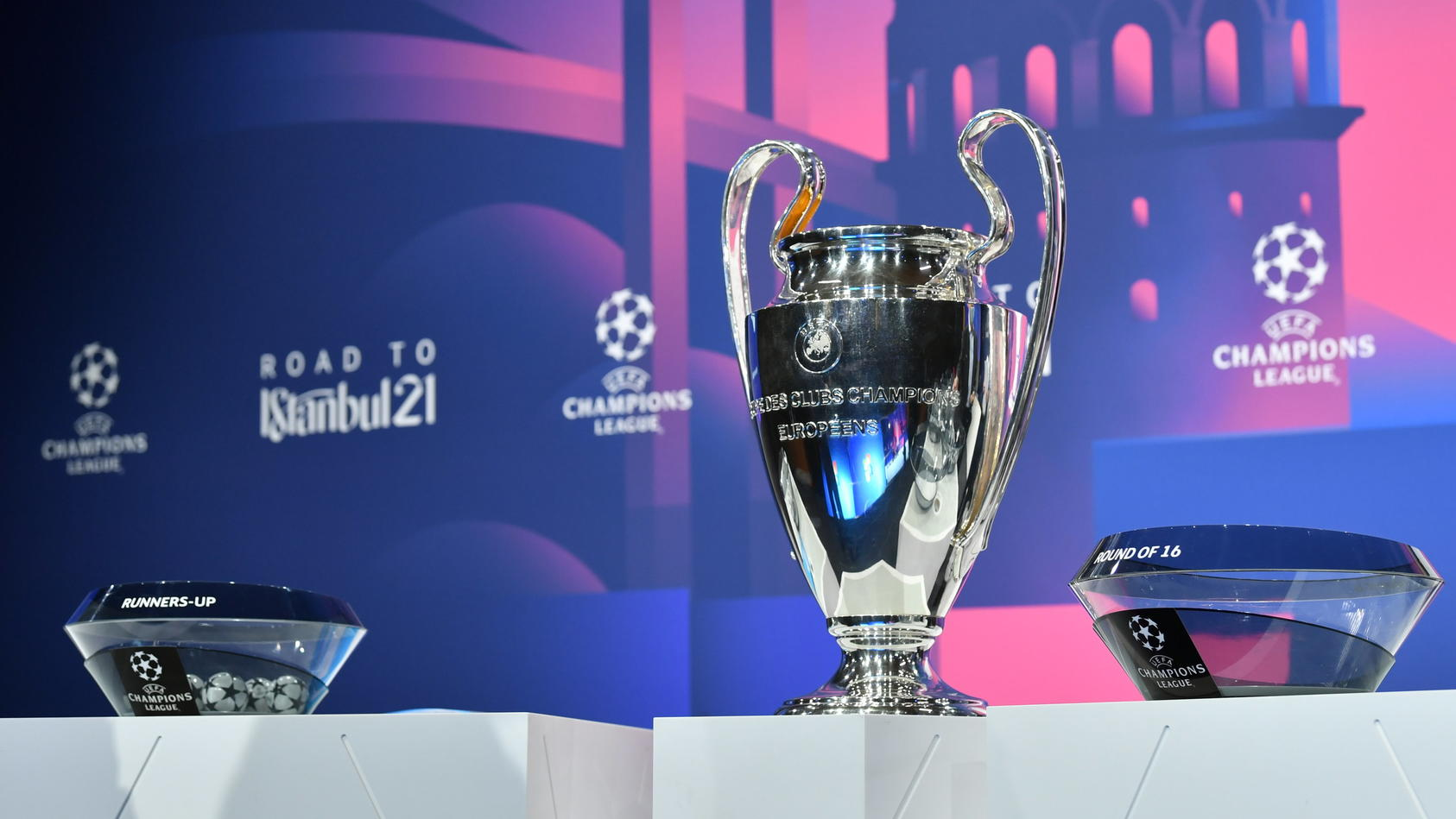 Der Champions-League-Pokal. Ist in der Königsklasse bald nichts mehr, wie wir es kennen?