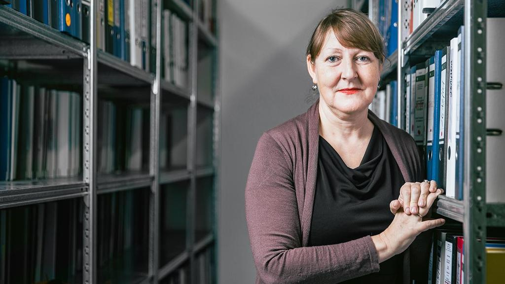 Brigitte Keller-Stanislawski, Abteilungsleiterin  Arzneimittelsicherheit am Paul-Ehrlich-Institut