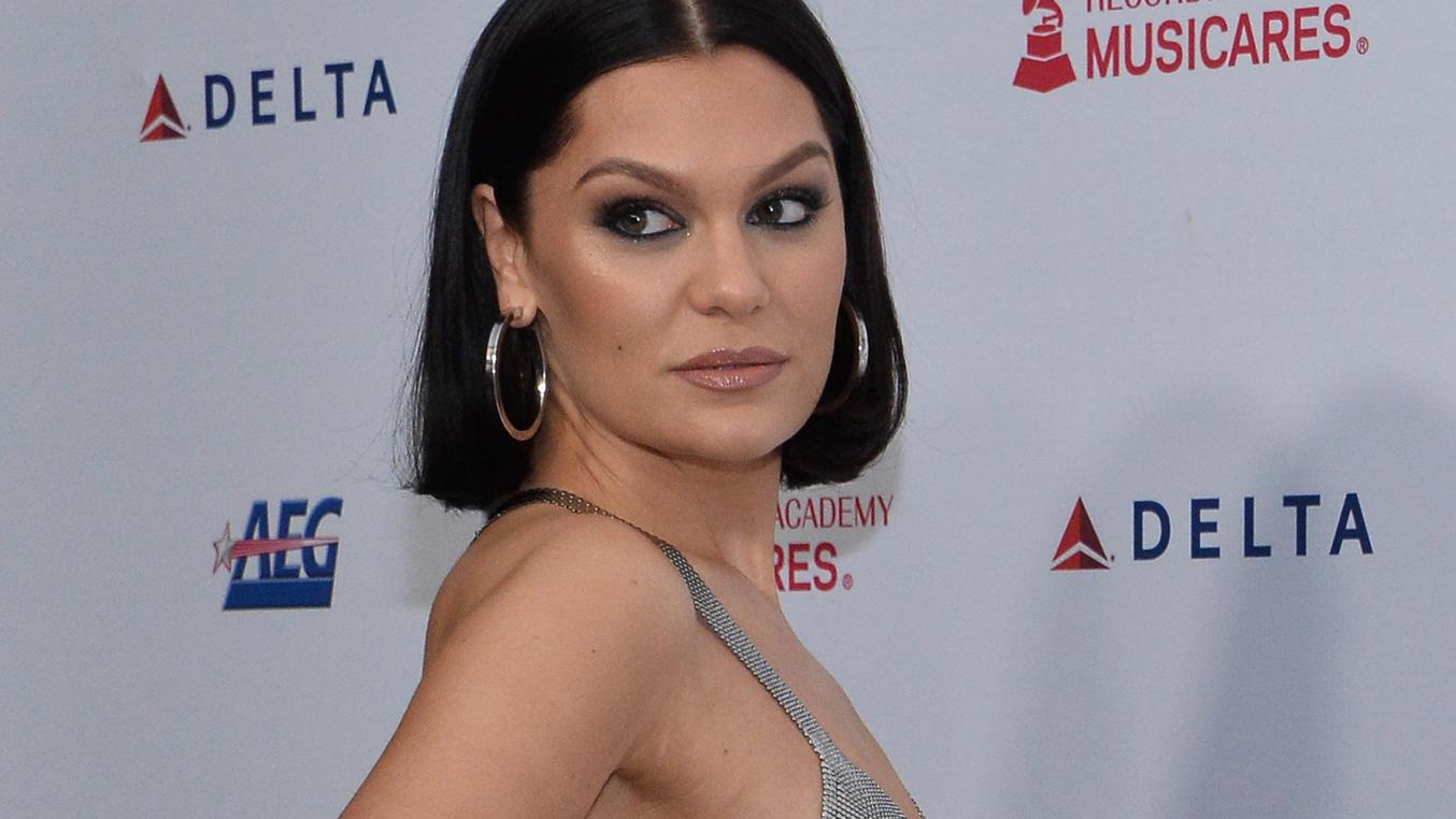 Sängerin Jessie J schockt ihre Fans mit Krankheit.