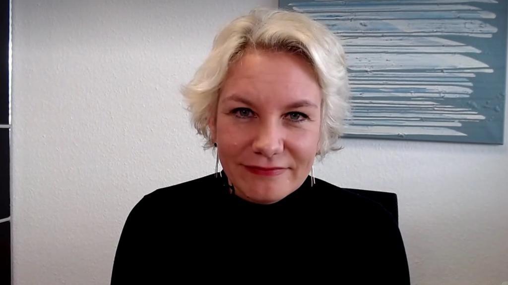 Anwältin Nicole Mutschke erklärt Feuerwerksverbot an Silvester
