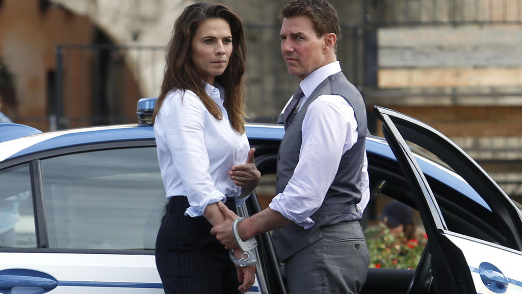 Actor Tom Cruise and actress Hayley Atwell handcuffed together on the set of the film Mission Impossible 7 at Imperial Fora in Rome. Rome Italy, October 13th 2020 Photo Samantha Zucchi Insidefoto SamanthaxZucchi