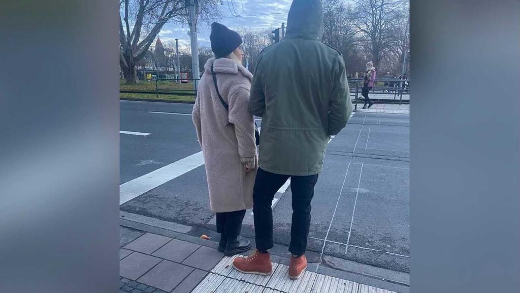 Caro Daur und Tommi Schmitt wurden in Köln beim Spazierengehen gesichtet