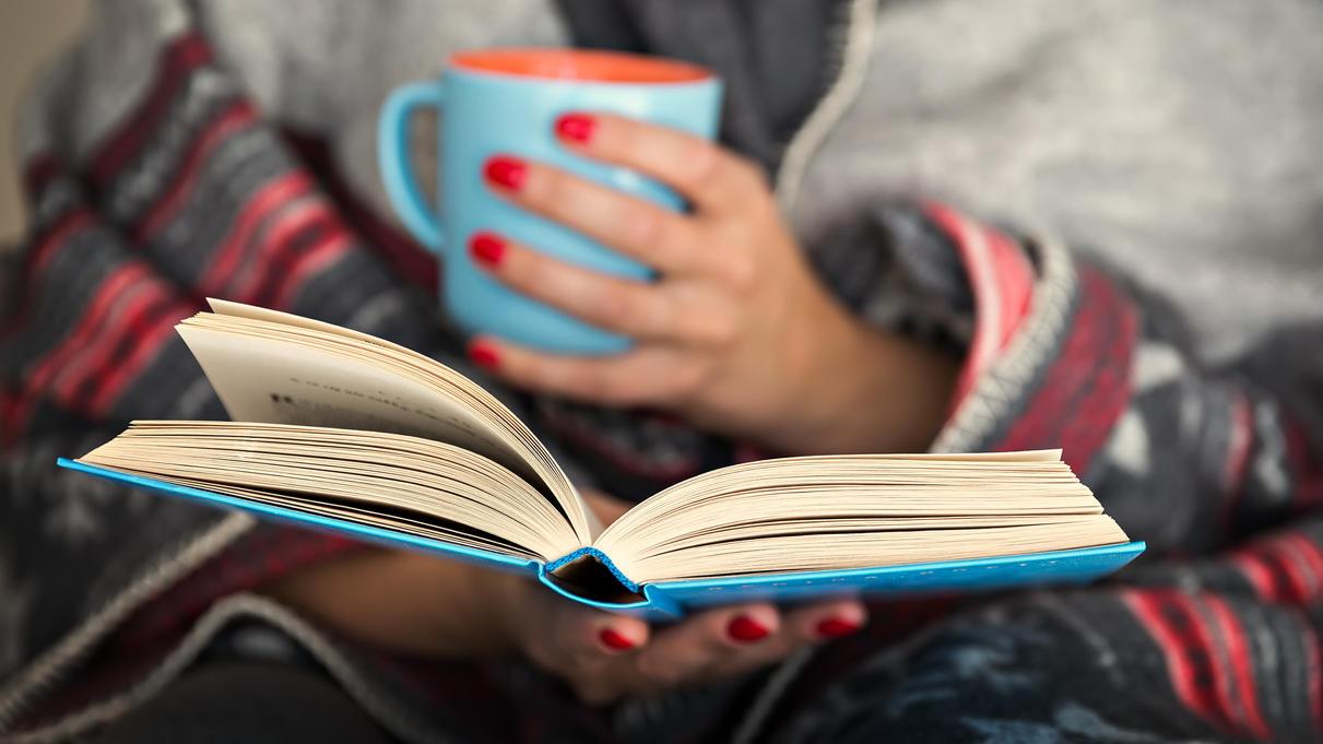 Ein gutes Buch kann in schwierigen Zeiten Kraft geben.