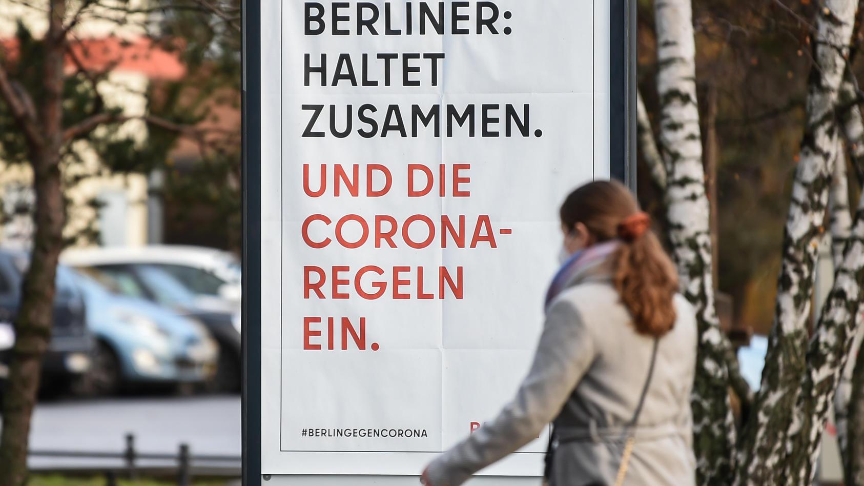 Die Menschen in Deutschland müssen wegen der Corona-Pandemie bis Ende Januar mit noch schärferen Einschränkungen leben.