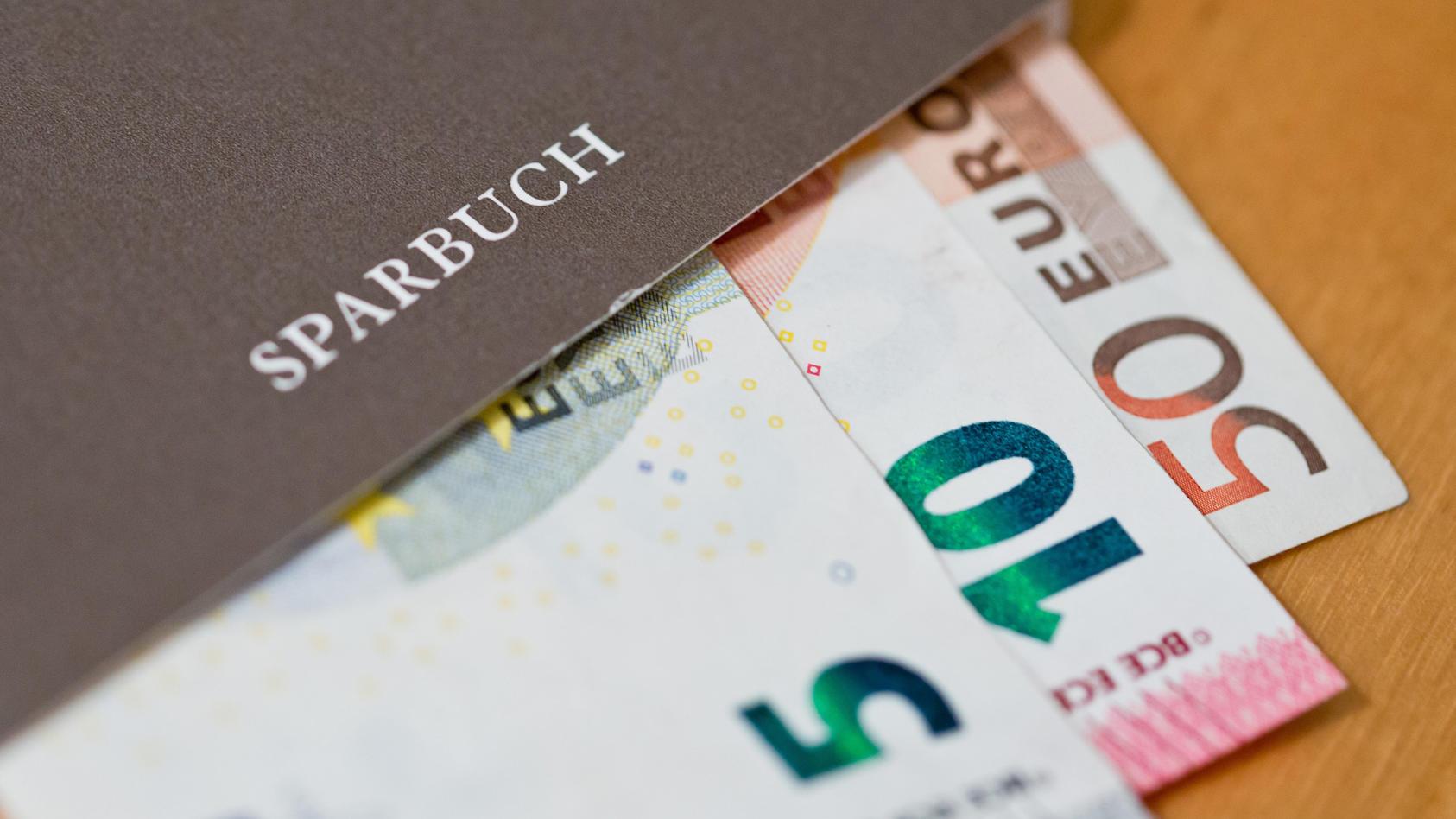 Trend zu Negativzinsen für hohe Sparsummen